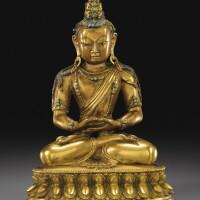 112. 十八世紀 西藏或蒙古 鎏金銅無量壽佛坐像