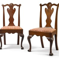 6047. fine pair of queen anne carved walnut side chairs, philadelphia, circa 1770