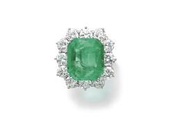 226. emerald and diamond ring