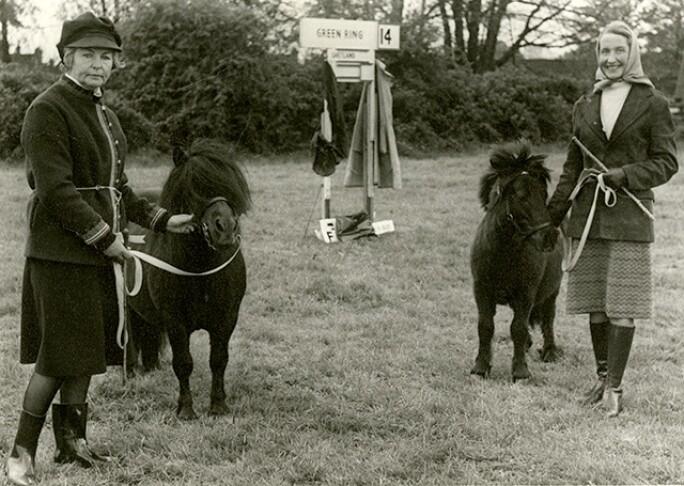 duchess-deborah-with-shetland-pony-640.jpg