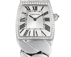 2042. 卡地亞 | 2895型號「la dona」白金鑲鑽石鍊帶腕錶,錶殼編號91382mx,年份約2005。