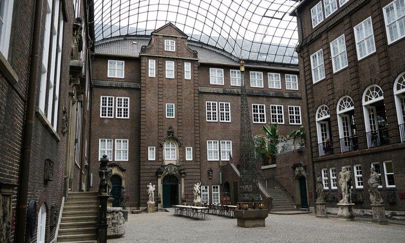 Hamburg_Museum_Interior