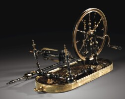 6. rouet et quenouille en piqué d'écaille incrustée d'or et de nacre, monture en bronze doré,probablement naples, milieu du xviiie siècle
