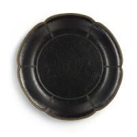 3106. 宋 黑漆葵瓣盤 |