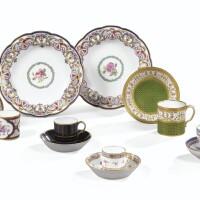 23. cinq gobelets et cinq soucoupes en porcelaine de sèvres du xviiie siècle et dans le style du xviiie siècle