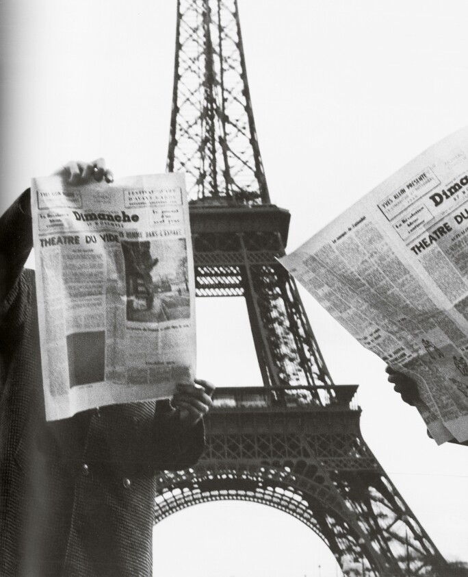 Yves-Klein-Grand-Saut-Paris-Contemporary-212PF1815_B22LN_Comp.jpg