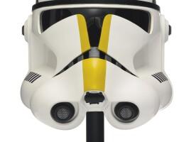 18. star wars revenge of the sith 327th star corps trooper helmet, master replicas, 2005