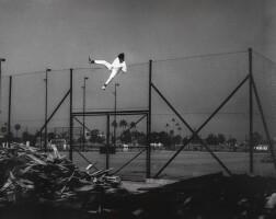 6. 邱良 | 偷渡(維園網球場,1976)