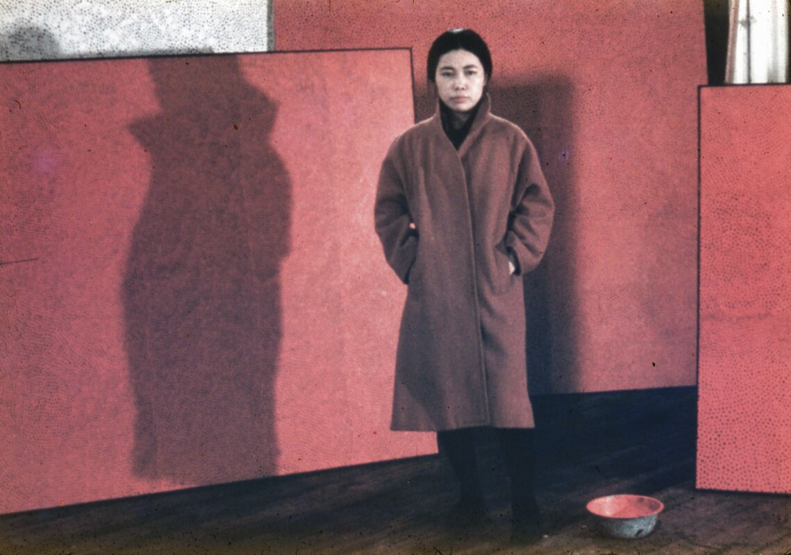 The artist in her studio, New York, c. 1961. Courtesy YAYOI KUSAMA Inc.