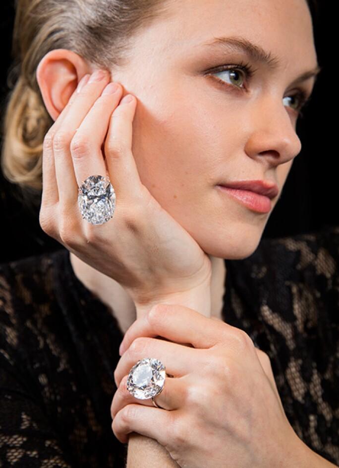 ge1802-whitediamonds-model2.jpg