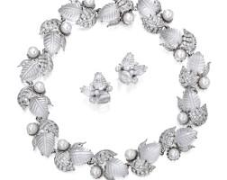 175. 18k白色黃金鑲白水晶及養殖珍珠配鑽石項鏈一條及耳環一對, seaman schepps
