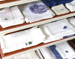 644. an assorted group of embroidered table linens