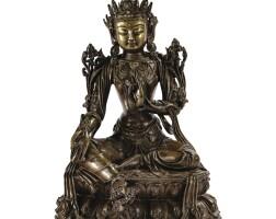 24. belle et grande statuette de tara verte en bronze dynastie ming, xve siècle  