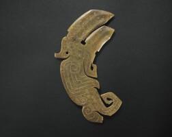 5. rare pendentif-dague en jade fin de la dynastie shang,ca. 1200 avant j.-c.