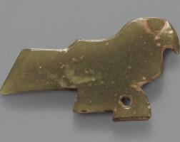 4. petit pendentif en jade vert dynastie shang, ca. 1200-1100 avantj.-c.