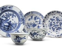 1046. five blue and white wares late 16th - 18th century |