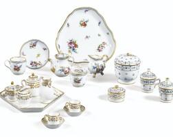 47. ensemble en porcelaine de paris et niderviller du xixe siècle