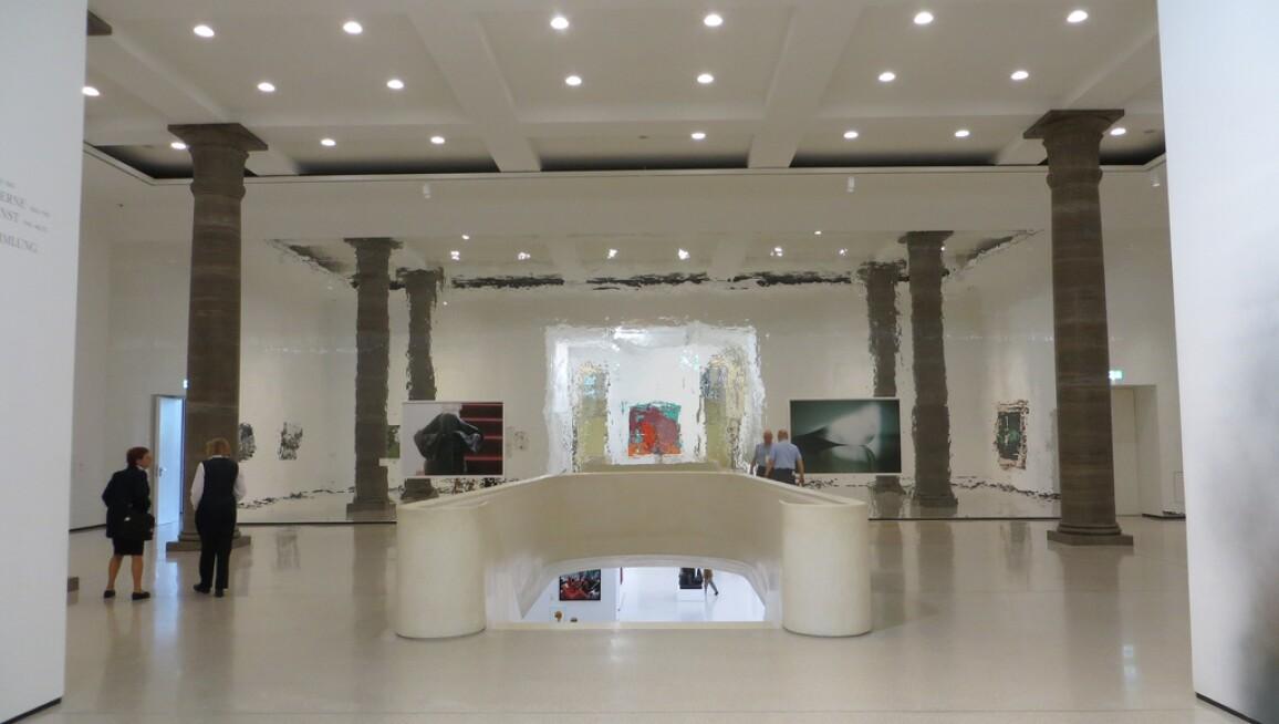 Stadel_Interior2.jpg
