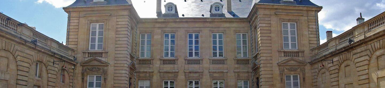 Exterior view of Musée des Arts Decoratifs et du Design de Bordeaux.