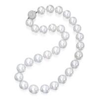 122. 18k白色黃金鑲養殖珍珠配鑽石項鏈