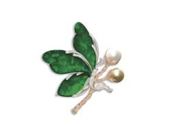 1649. jadeite, cultured pearl and diamond brooch |