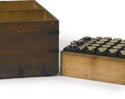 1397. a rectangular painter's box