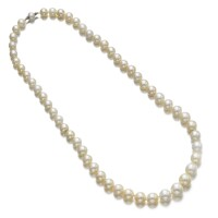 455. natural pearl necklace