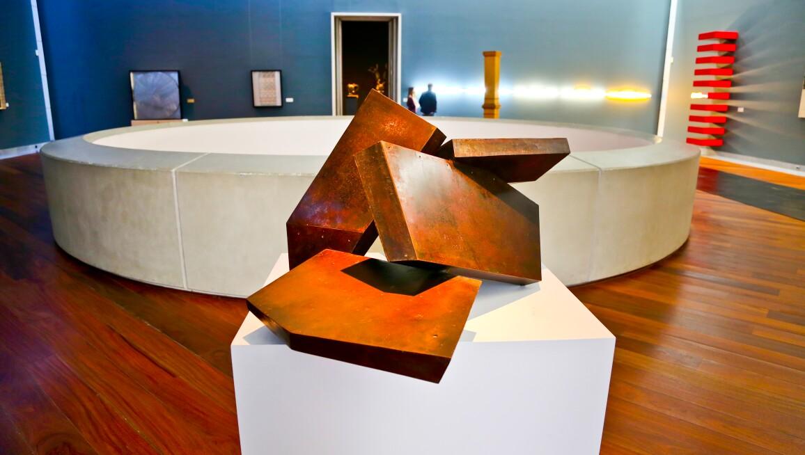 View of a past exhibition at the Musée Modern Museum (part of Musées royaux des Beaux-Arts de Belgique)