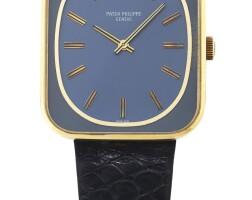 204. 百達翡麗(patek philippe)   3582型號「'tv'」黃金腕錶,1973年製。