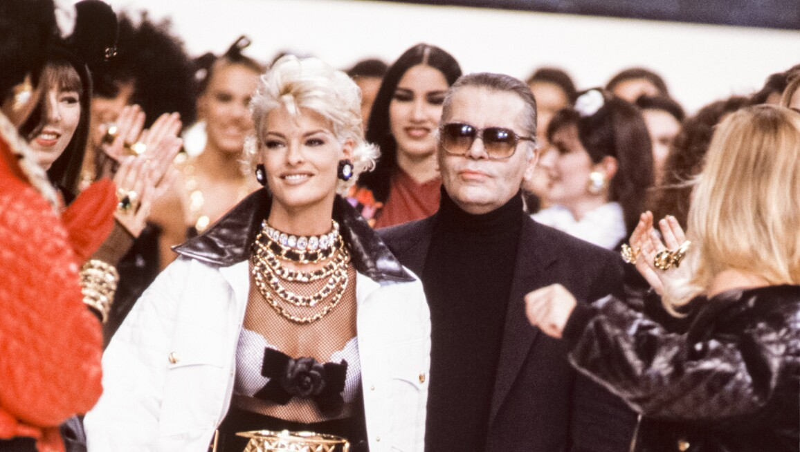 Chanel - Runway - Ready To Wear Fall/Winter 1991-1992