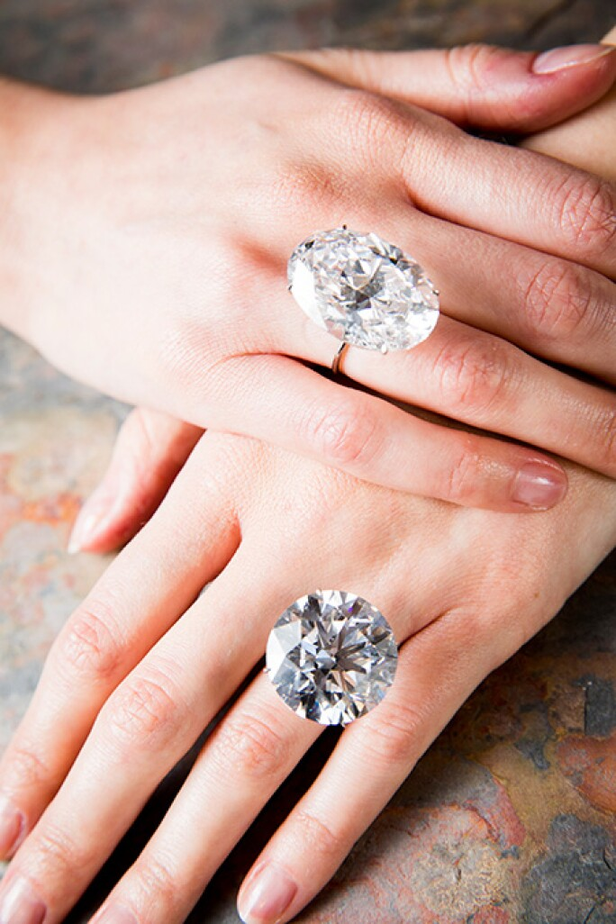 ge1802-whitediamonds-hands.jpg
