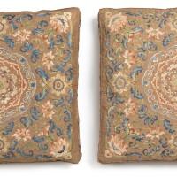 48. 清乾隆 赭石色緞繡纏枝蓮花紋坐墊套一對