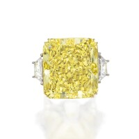 478. a magnificent fancy vivid yellow diamond ring