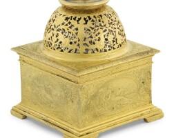 7. 法國製 | 文藝復興時期銅鎏金水平座鐘,年份約1580