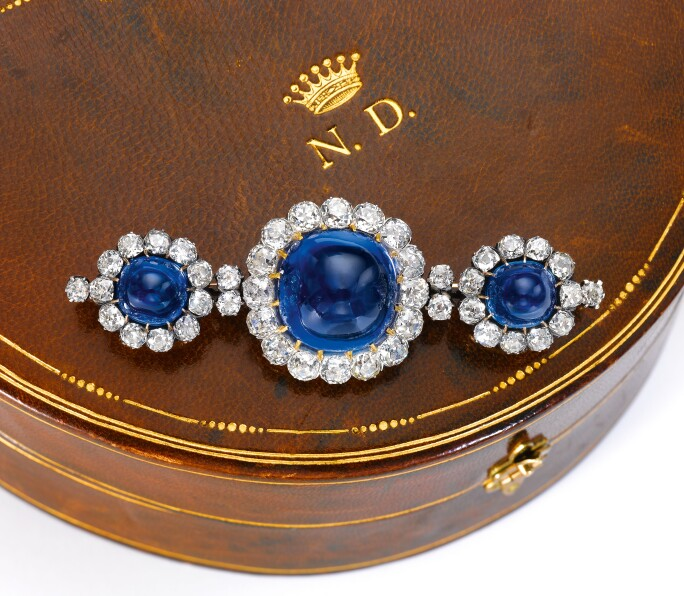 Kashmir sapphire and diamond brooch, late 19th century. Estimate CHF 500,000-800,000 / $500,000-800,000.