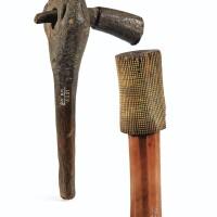 20. deux battoirs à écorce, l'un en bois, l'autre en ivoire, république démocratique du congo