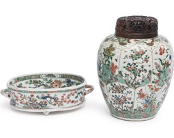 1105. chinese export famille-verte footed basin and an ovoid jar early 18th century