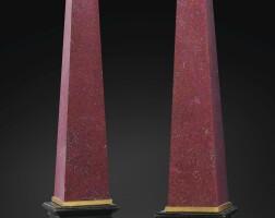11. paire de grands obélisques en porphyre rouge d'egypte, travail italien, probablement florence, du xviiie siècle