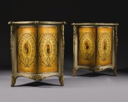 22. 喬治三世黃銅鎏金塗漆鑲件配鎏金彩繪蛇紋岩牆角櫥櫃一對, 約1770年 |