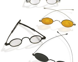 724. four pairs of spectacles, early 19th century