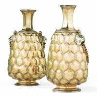 12. paire de grandes flasques en vermeil à double couvercle, par charleset george fox, londres, probablement 1856