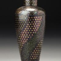 158. 十九世紀末 / 二十世紀初 日本黑漆嵌螺鈿花卉紋瓶式鼻煙壺