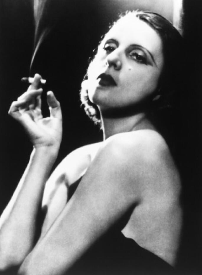 lempicka-photograph-cigarette.jpg