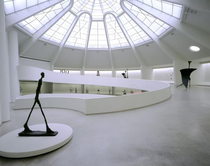 Picasso Guggenheim Interior 1998