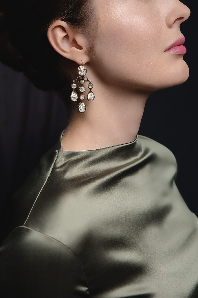 All-that-Glitters-Profile-earing.jpg