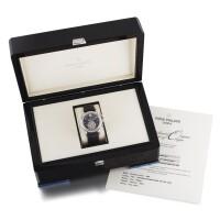 202. 百達翡麗(patek philippe)   5960p型號鉑金年曆飛返計時腕錶備晝夜及動力儲存顯示,2006年製。