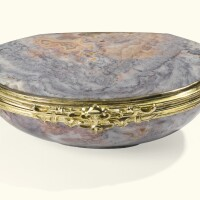 9. an agate and gold snuffbox, german, 19th century