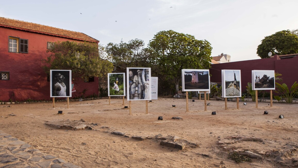 Exterior View, Exhibition Les Fantômes du fleuve Congo