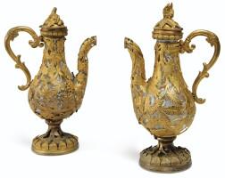 10. paire d'aiguières en verre, laiton et cuivre dorés, travail italien, rome, vers 1760