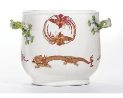 4. a meissen seau from the 'red dragon' service circa 1750